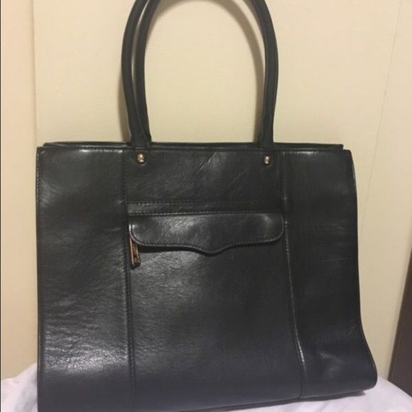 Rebecca Minkoff Medium MAB Tote 100% authentic Rebecca Minkoff medium black leather MAB tote! Retails for $295 and is currently sold out at a lot of retail locations! Smooth leather with average wear on straps that does not affect outer appearance. Perfect transition piece from work or school to going out! $200 off!!!! Rebecca Minkoff Bags Totes