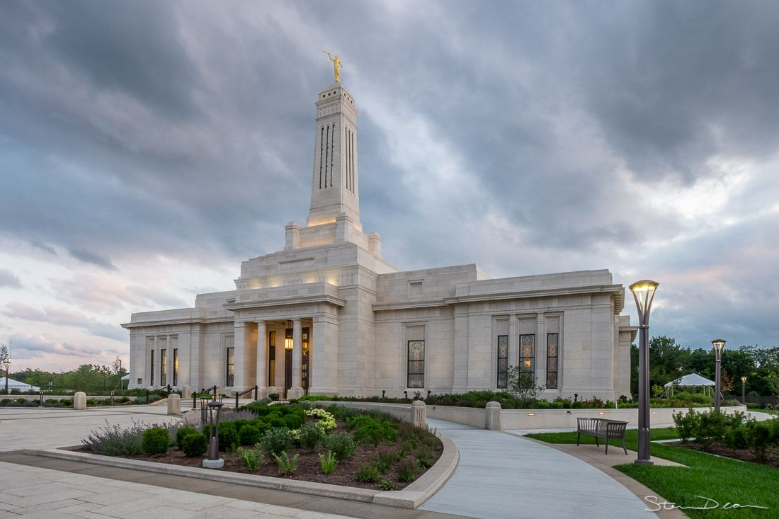 Indianapolis LDS temple gets Angel Moroni | Home and ...