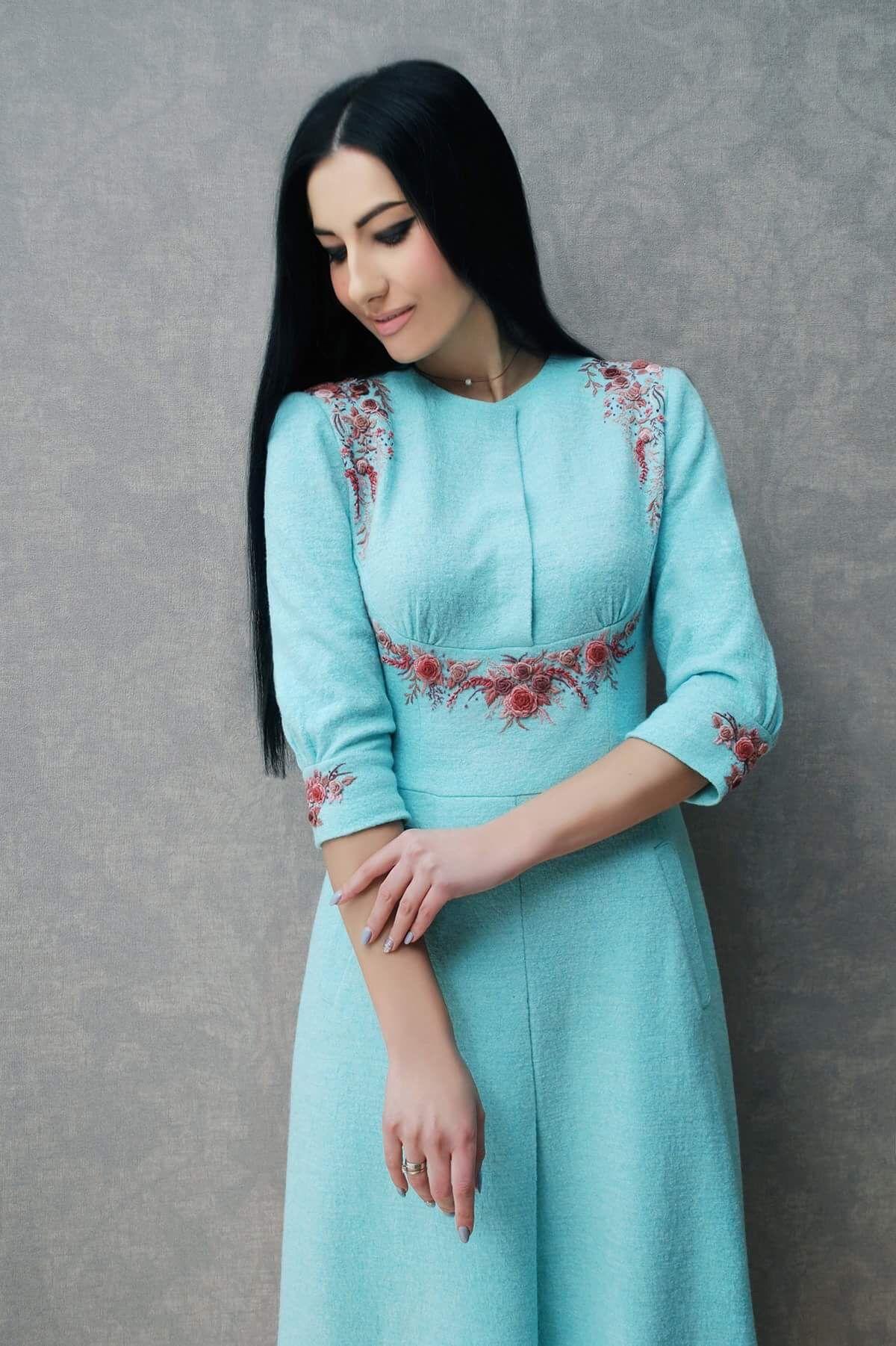 Pin by Ирина Олоничева on Вышивка | Pinterest | Ladies suits ...