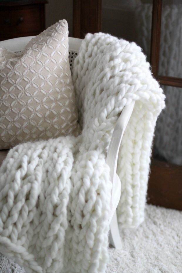 Super Easy DIY Chunky Throw Blankets | Tapis lirette, Tapis et Tricot MD04