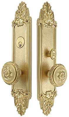 Pin On Door Plate And Round Knobs