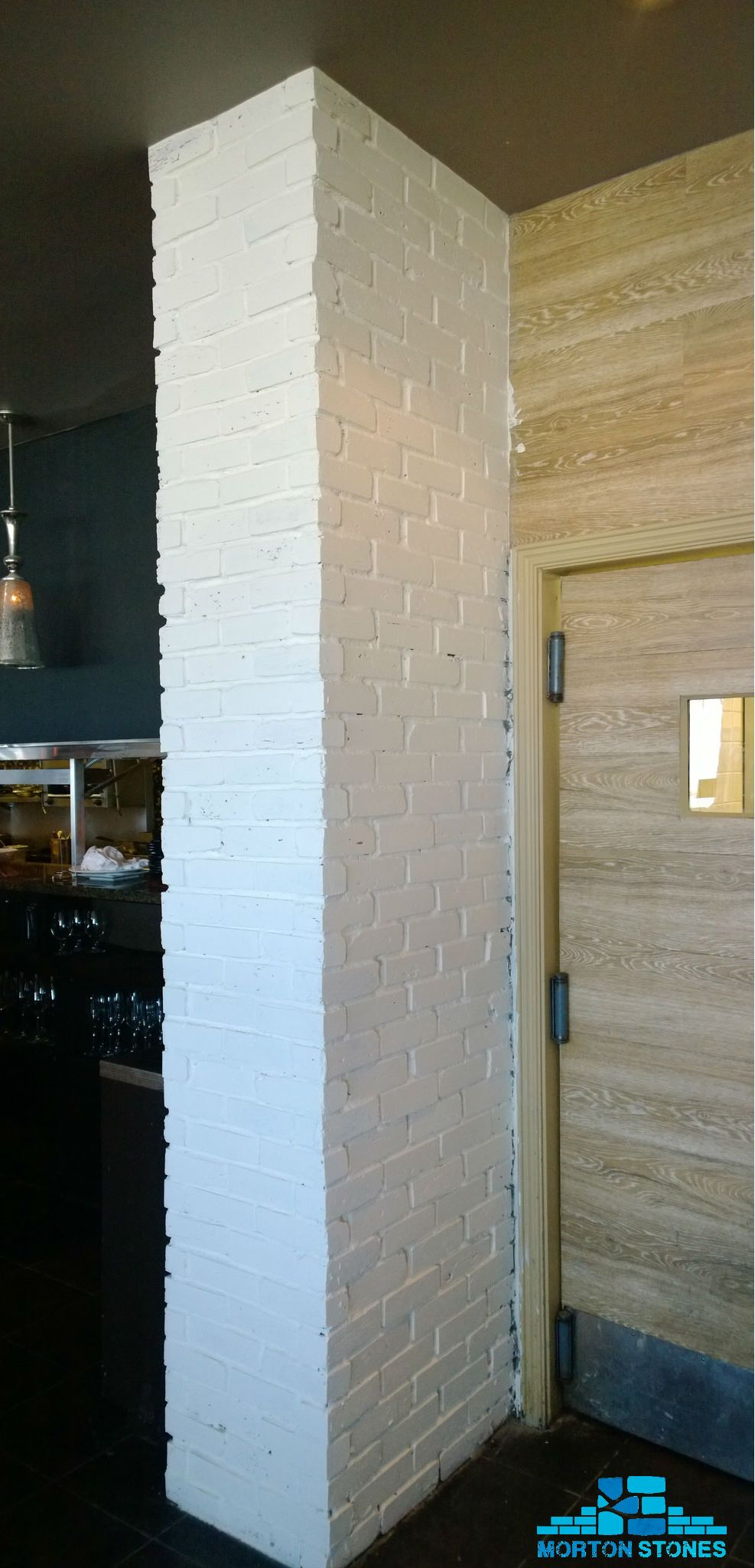 Create Your Focal Point With A White Brick Column Mortonstones Rustic Decor Interior Brickveneer Brickcolumn Brick Columns Brick Veneer White Brick