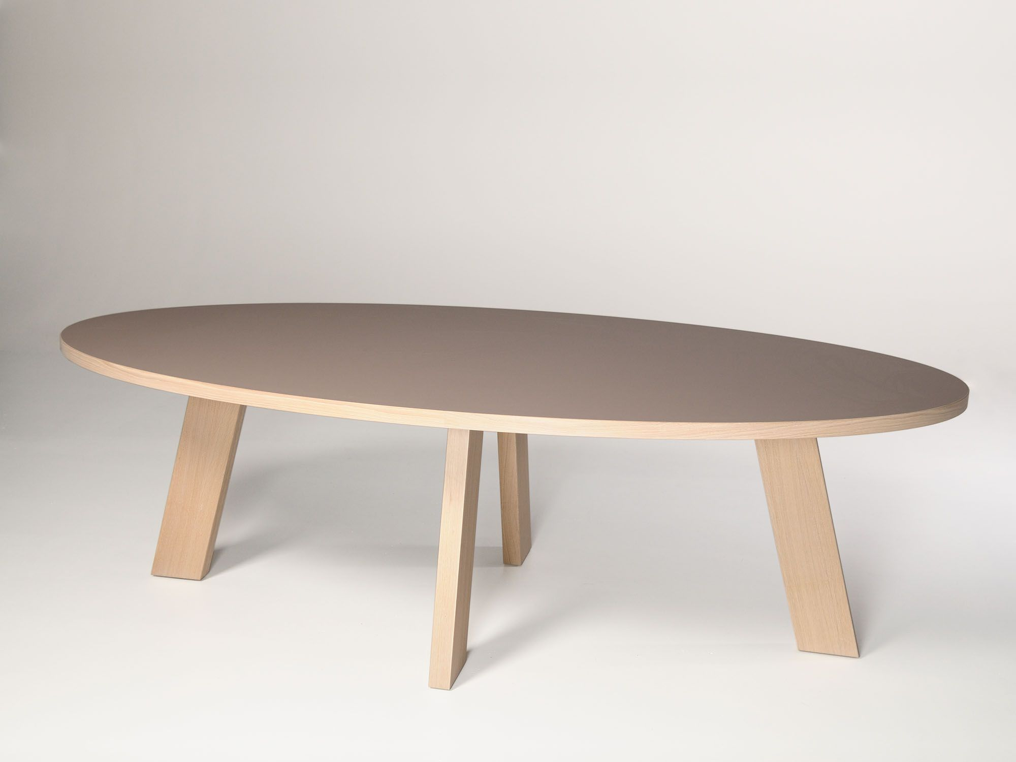 Tavolo Fenix ~ Tafel met fenix ntm ovaal blad. door: castelijn meubelindustrie