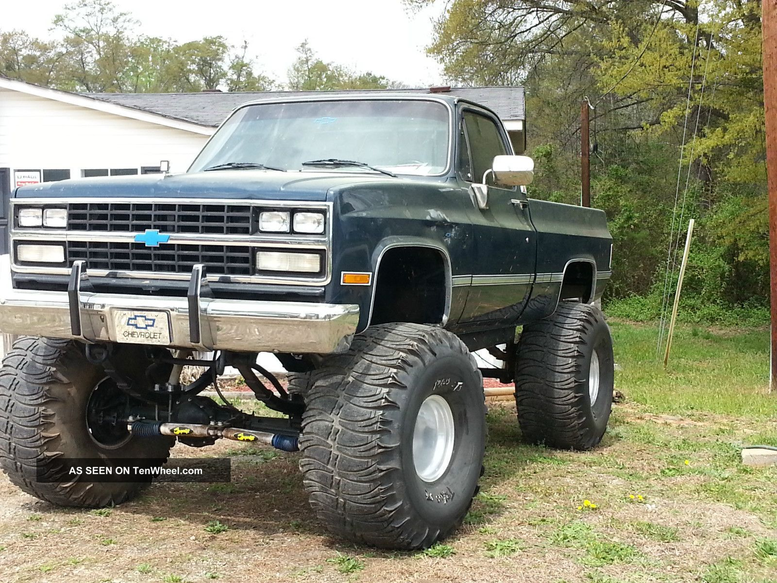 lifted chevrolet silverado trucks dream truck lifted. Black Bedroom Furniture Sets. Home Design Ideas