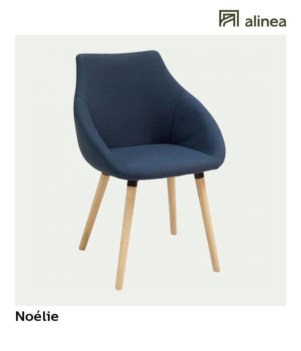 chaise en tissu bleu fonce avec