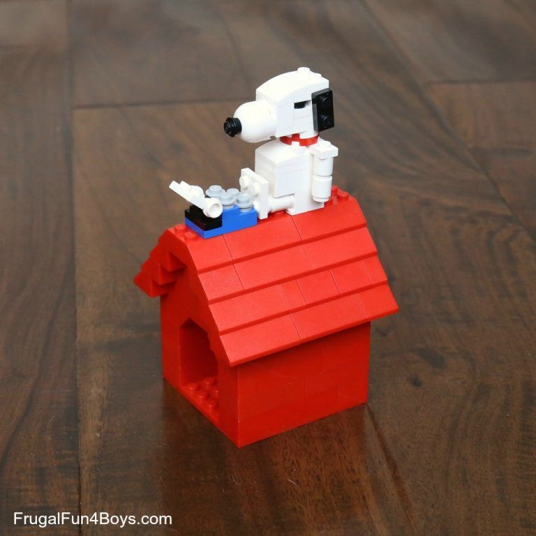 Snoopy And His Dog House Lego Building Instructions Dog Houses