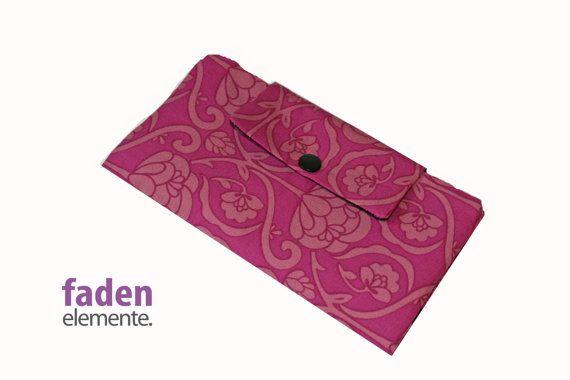 Portemonnaie XL pink mit rosa Blumen von Fadenelemente auf Etsy, €25,90