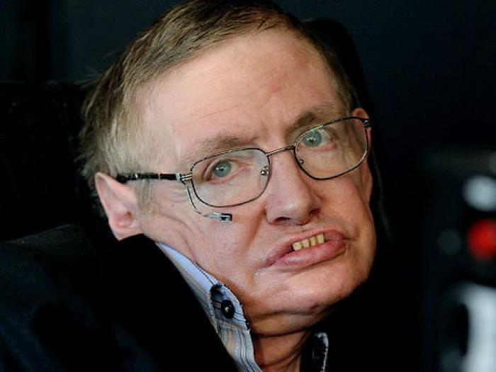 Uno de los Demonios es Stephen Hawking y no hay más que ver como se encuentra a día de hoy...la Vida es perfecta y le pone en su lugar...y no hay más que mirarle hoy en día ...postrado y demacrado, pues es uno de los principales pilares de la corrupción establecimientos de la física. Teorizantes como él son elogiados y alabado mientras que los que trabajan activamente para implementar verdadera física para la mejora de la humanidad se queden en la miseria en el medio natural
