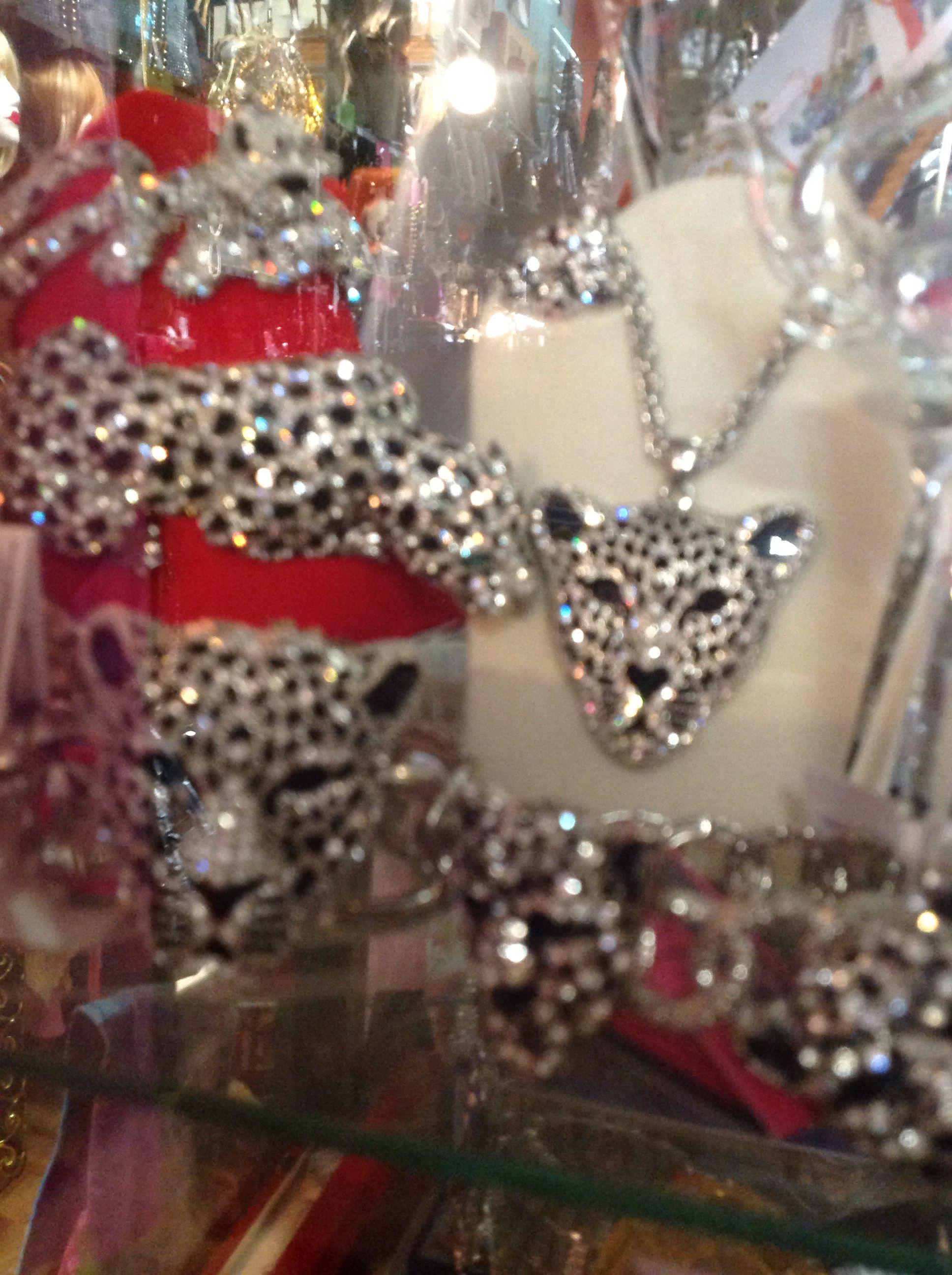 Exotic bracelet and necklace @ Oh~la la! Boutique