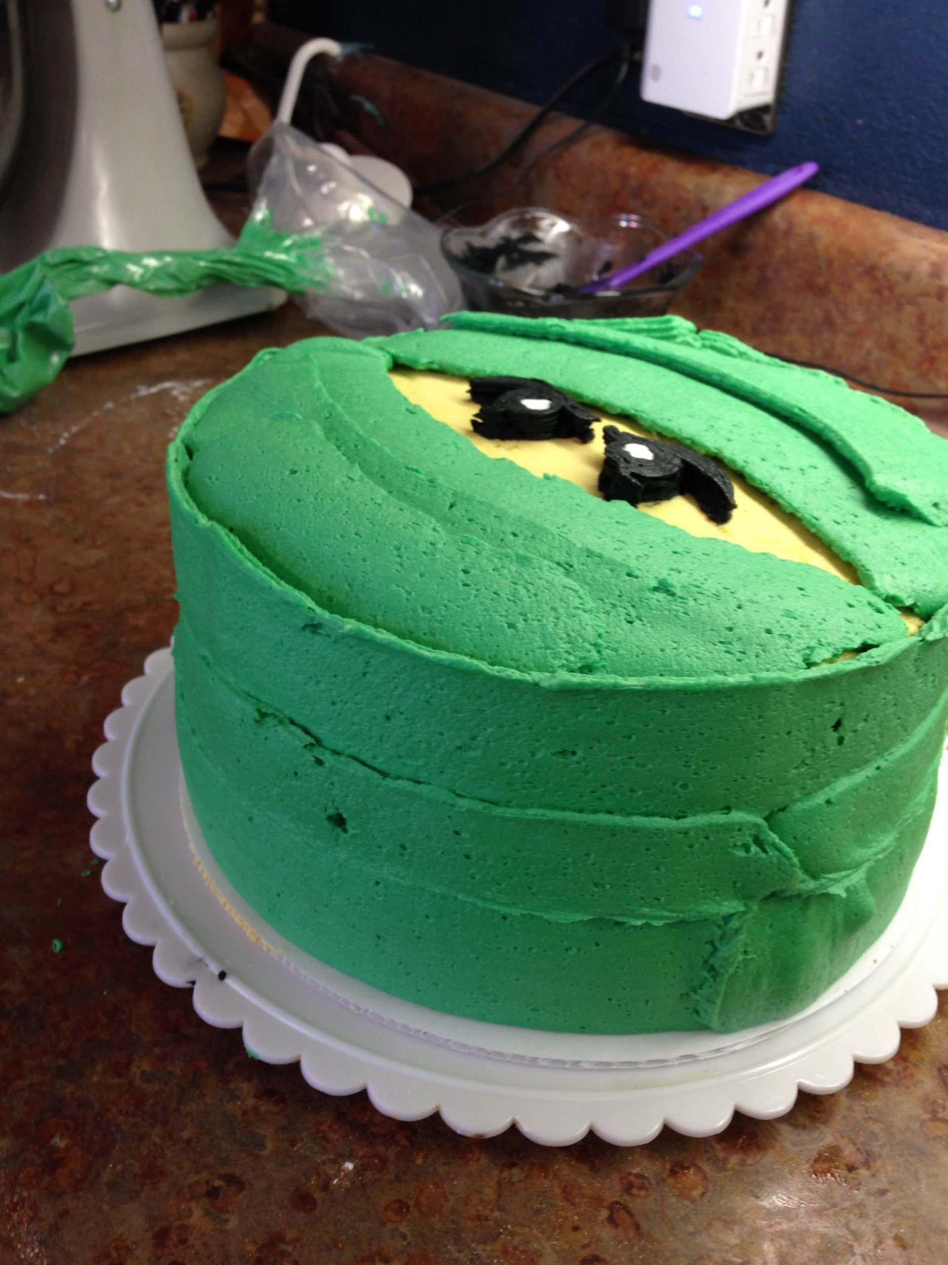 An Easy How-To for Making a Buttercream Ninjago Cake
