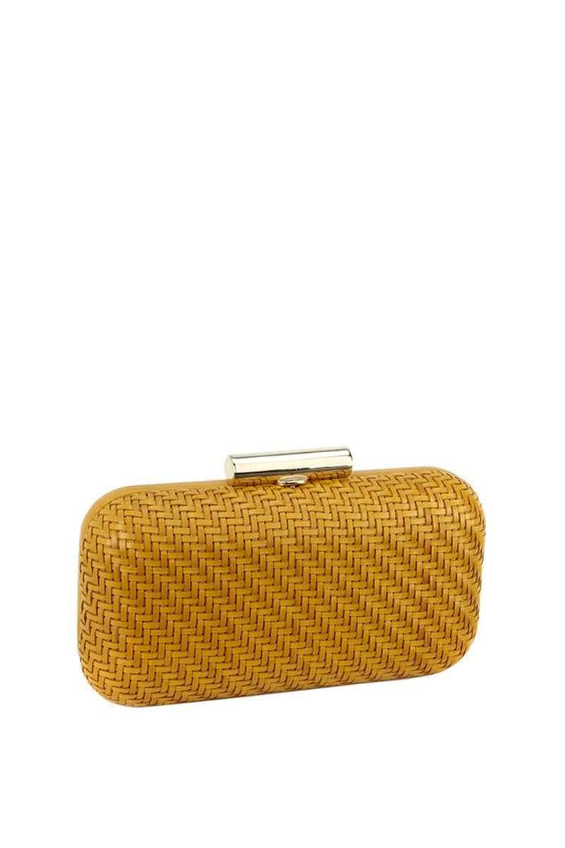 55f545093 Clutch amarillo mostaza, de Volum (65 €). | bolsos en 2019 | Bolsos ...