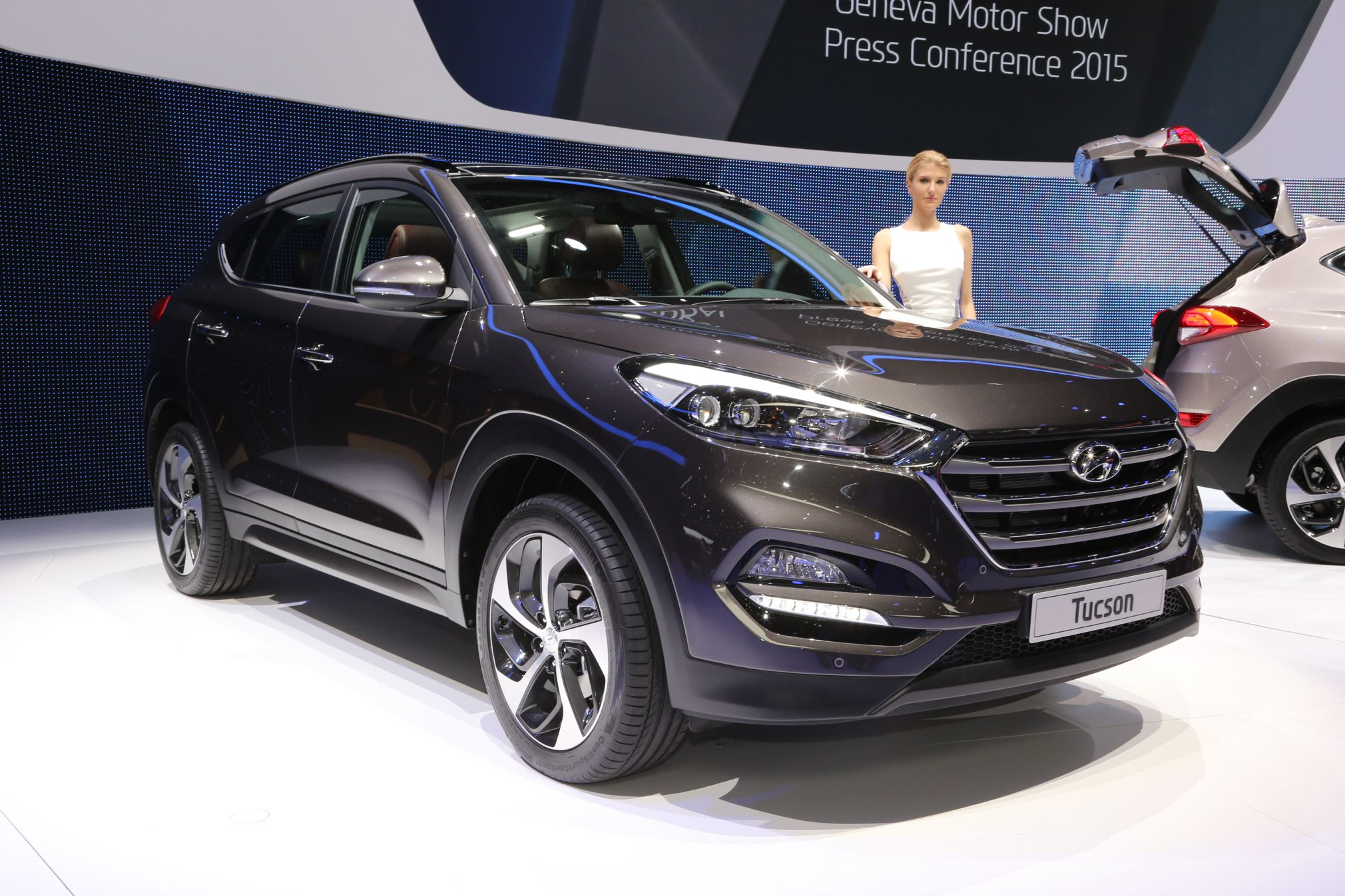 2016 hyundai tucson is the featured model the 2016 hyundai tucson black model image is added in car pictures category by the author on oct