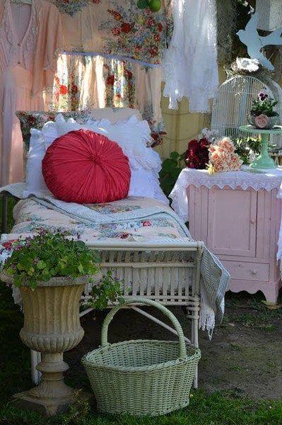 Shabby Style Im Garten bett im garten ideas shabby room and cozy