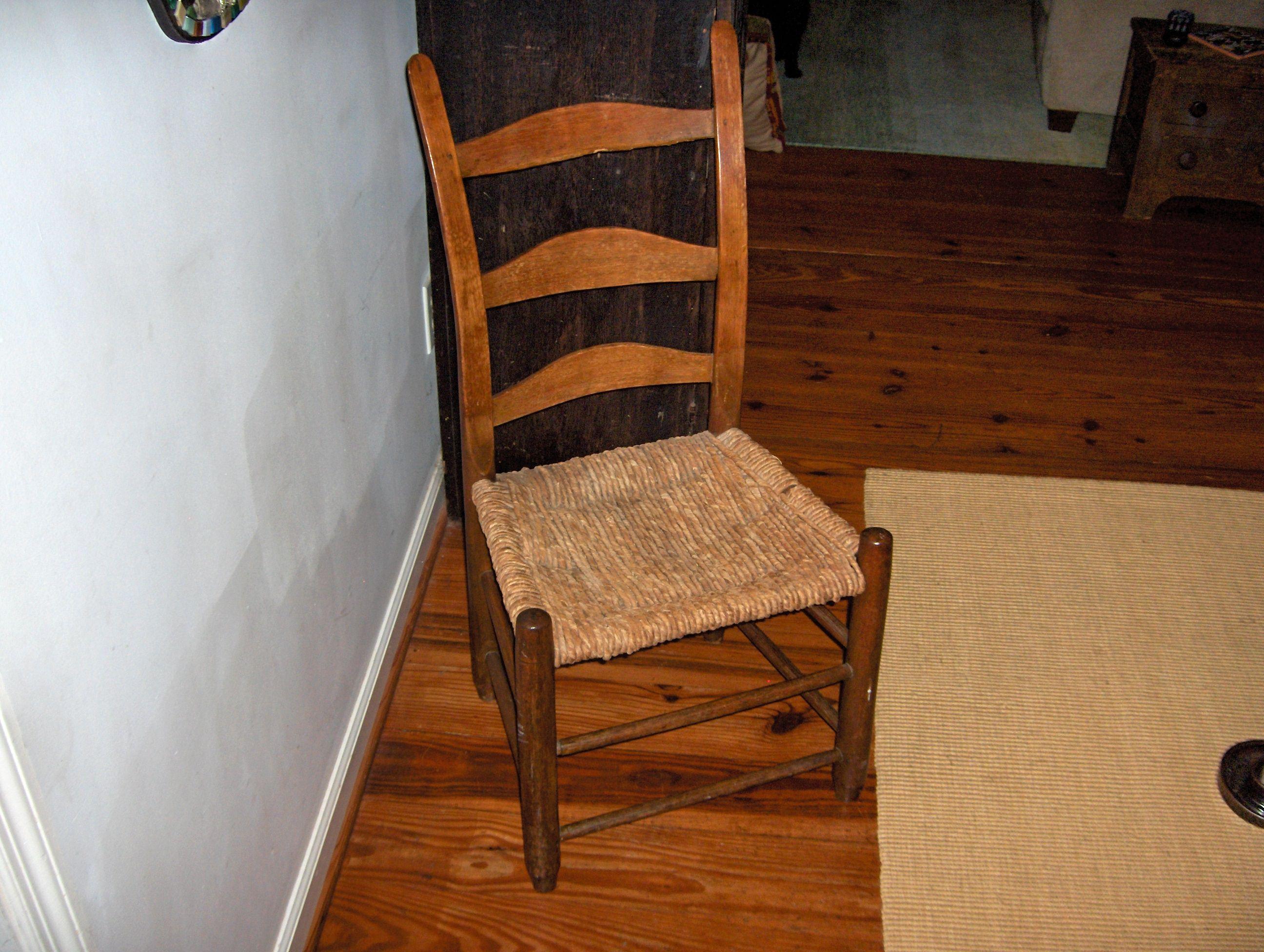 tennessee chair, cornshuck bottom, single peg in the top slat