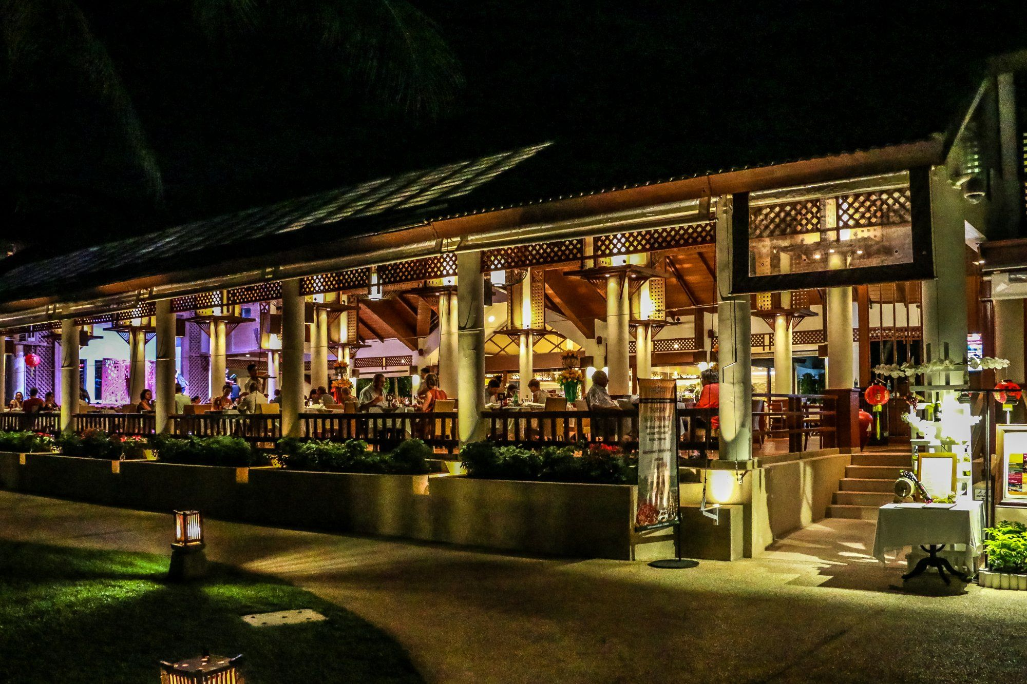 Katathani Phuket Beach Resort 331 215
