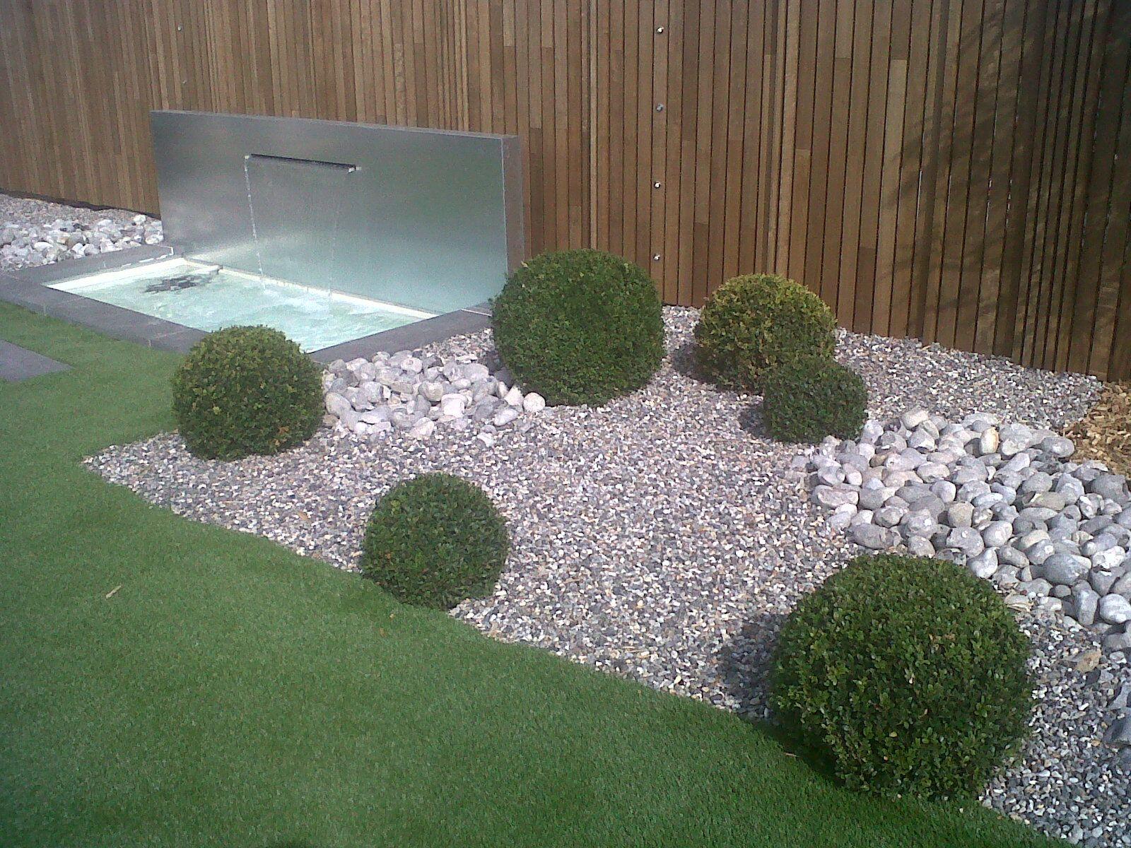 cupa pierre naturelle dans la nouvelle agence du paysagiste sylvain baranger pierrenaturelle. Black Bedroom Furniture Sets. Home Design Ideas