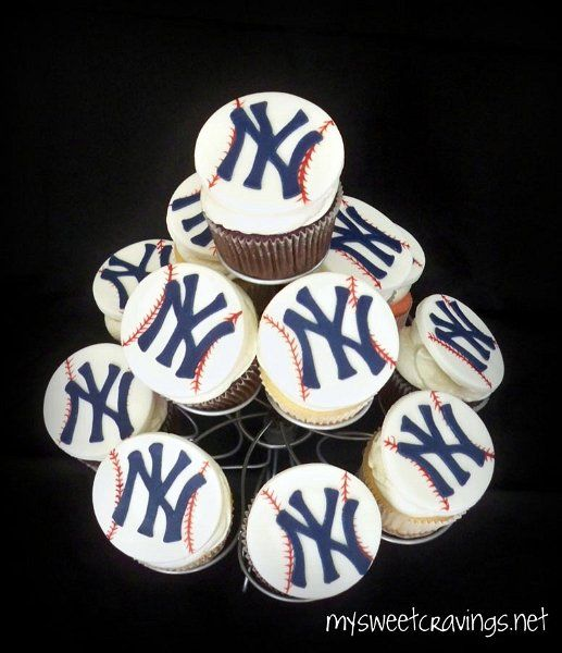 NY Yankee Cupcakes- Need To Get These For The Boys' End Of