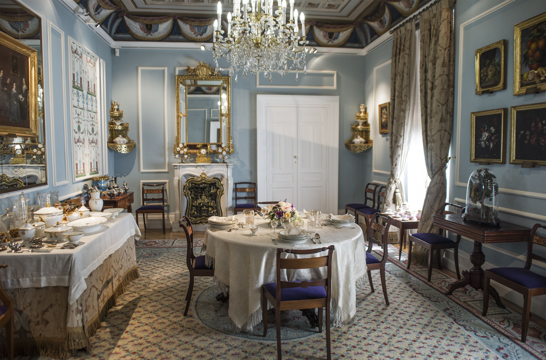 Comedor Del S Xix Museo Del Romanticismo Madrid Antiques In  # Muebles Vega Monumental Concepcion
