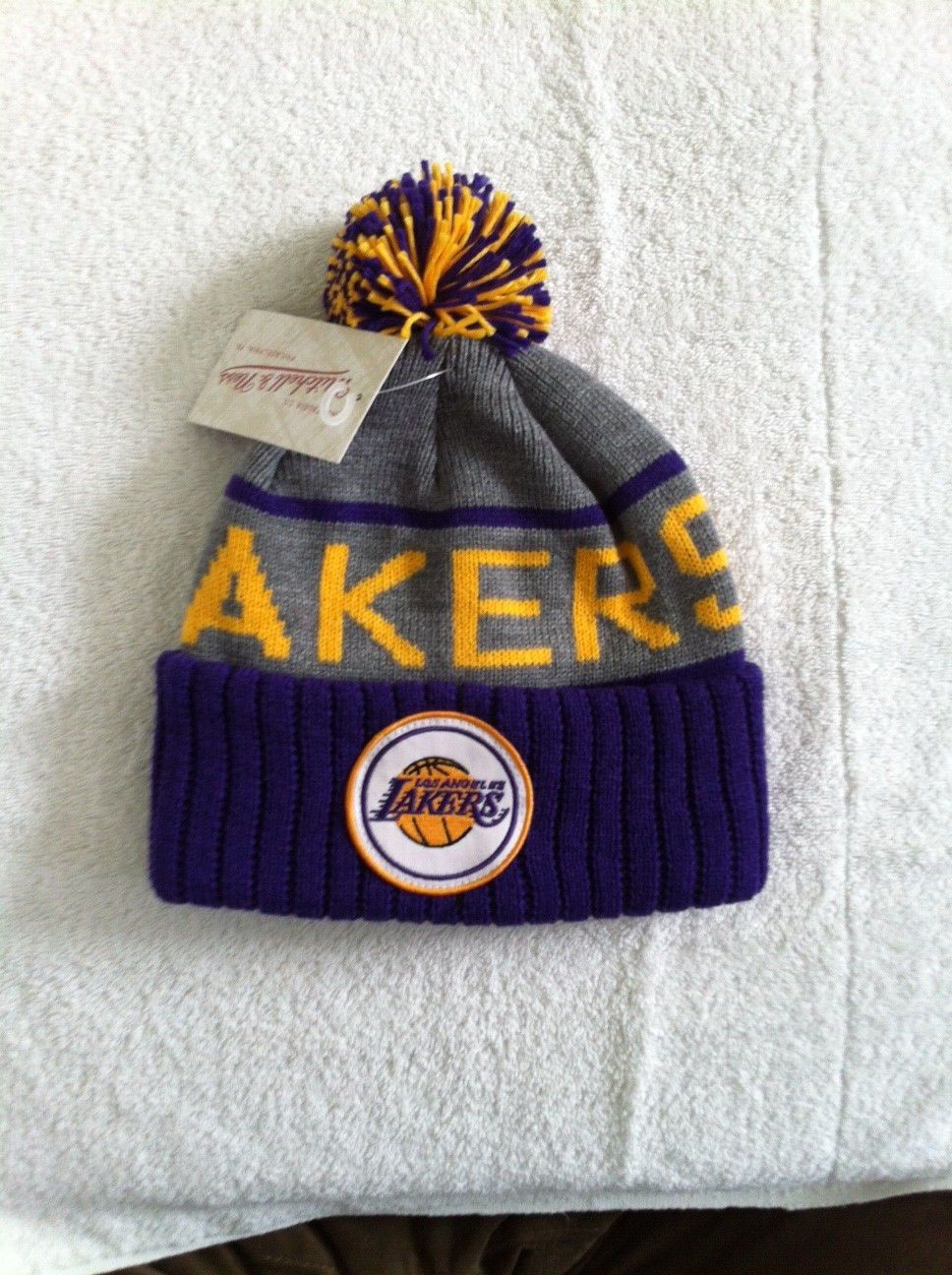 online store d7e06 2d573 Los Angeles Lakers Beanie Mitchell