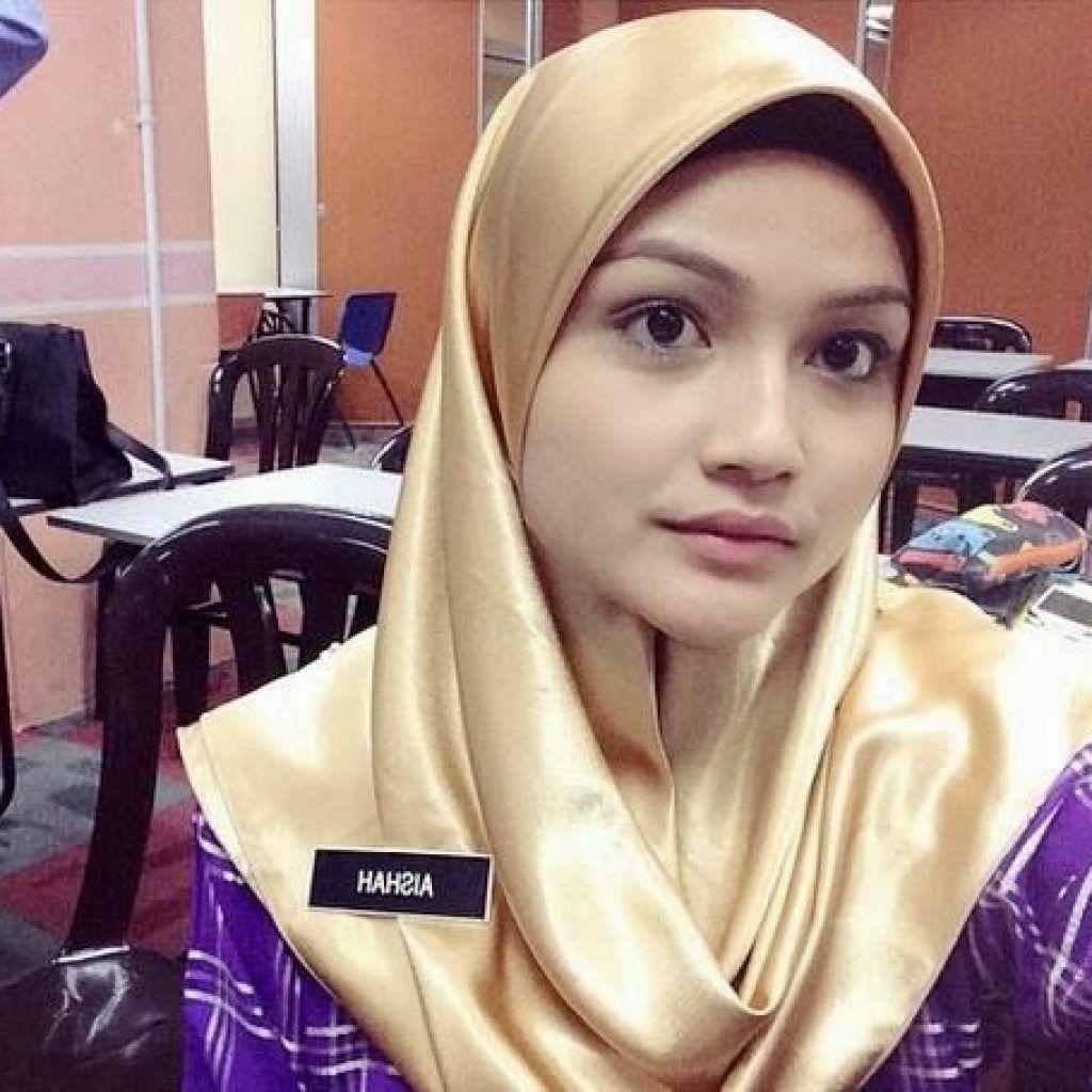 Biodata Puteri Aishah Cikgu Comel Yang Viral Muslim Girls