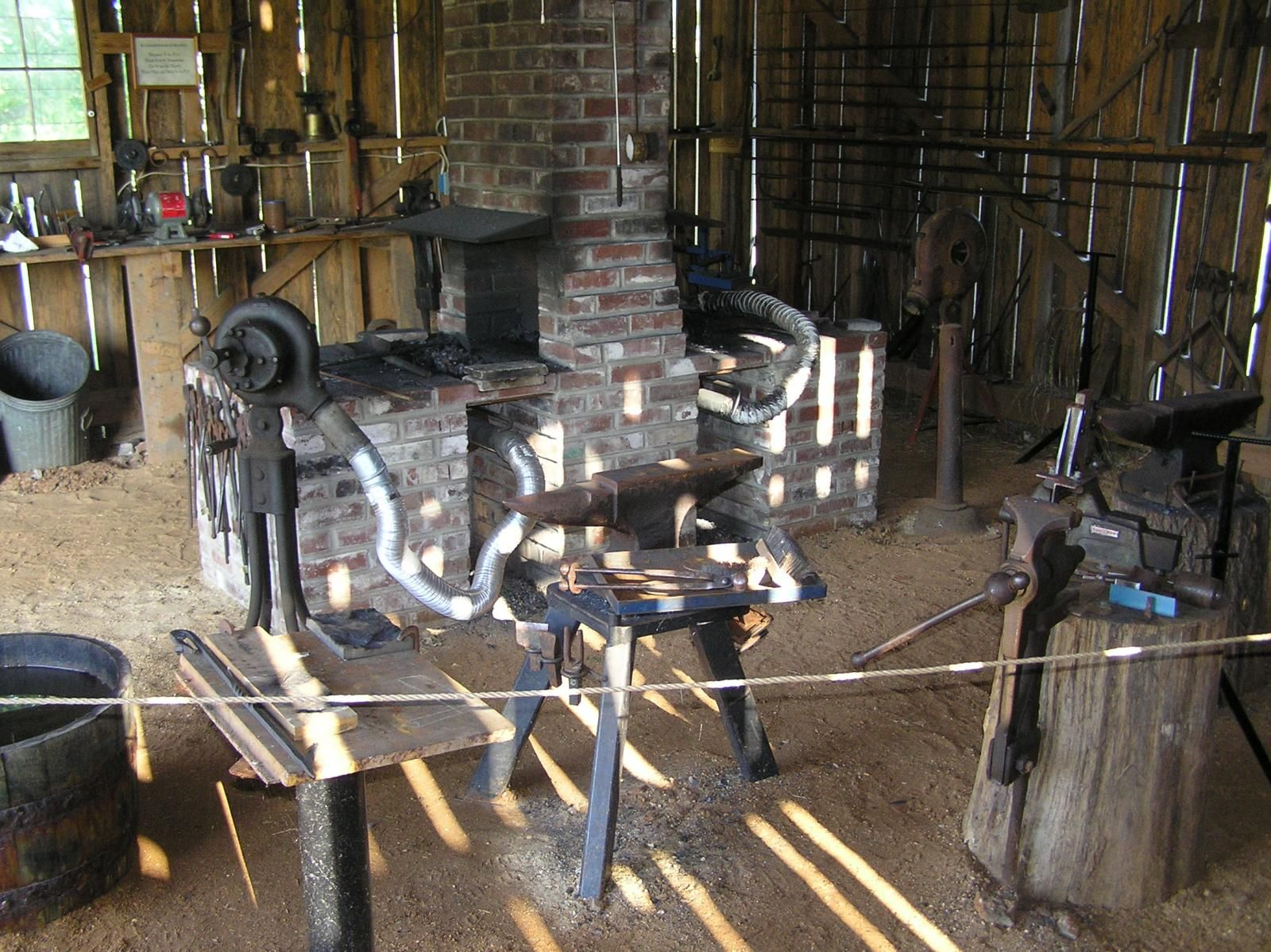 The Tom Kennon Blacksmith Shop In Doniphan Mo Blacksmith Shop Blacksmithing Doniphan