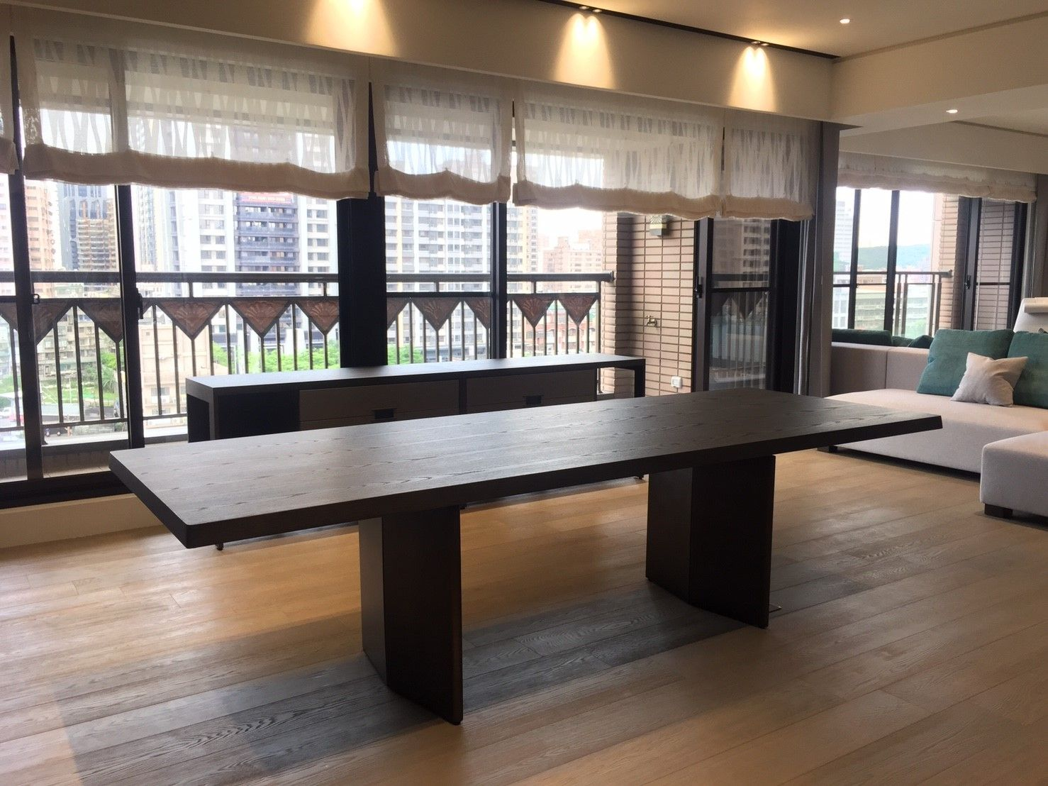 Customized furniture hangoutinterior yuelong villa