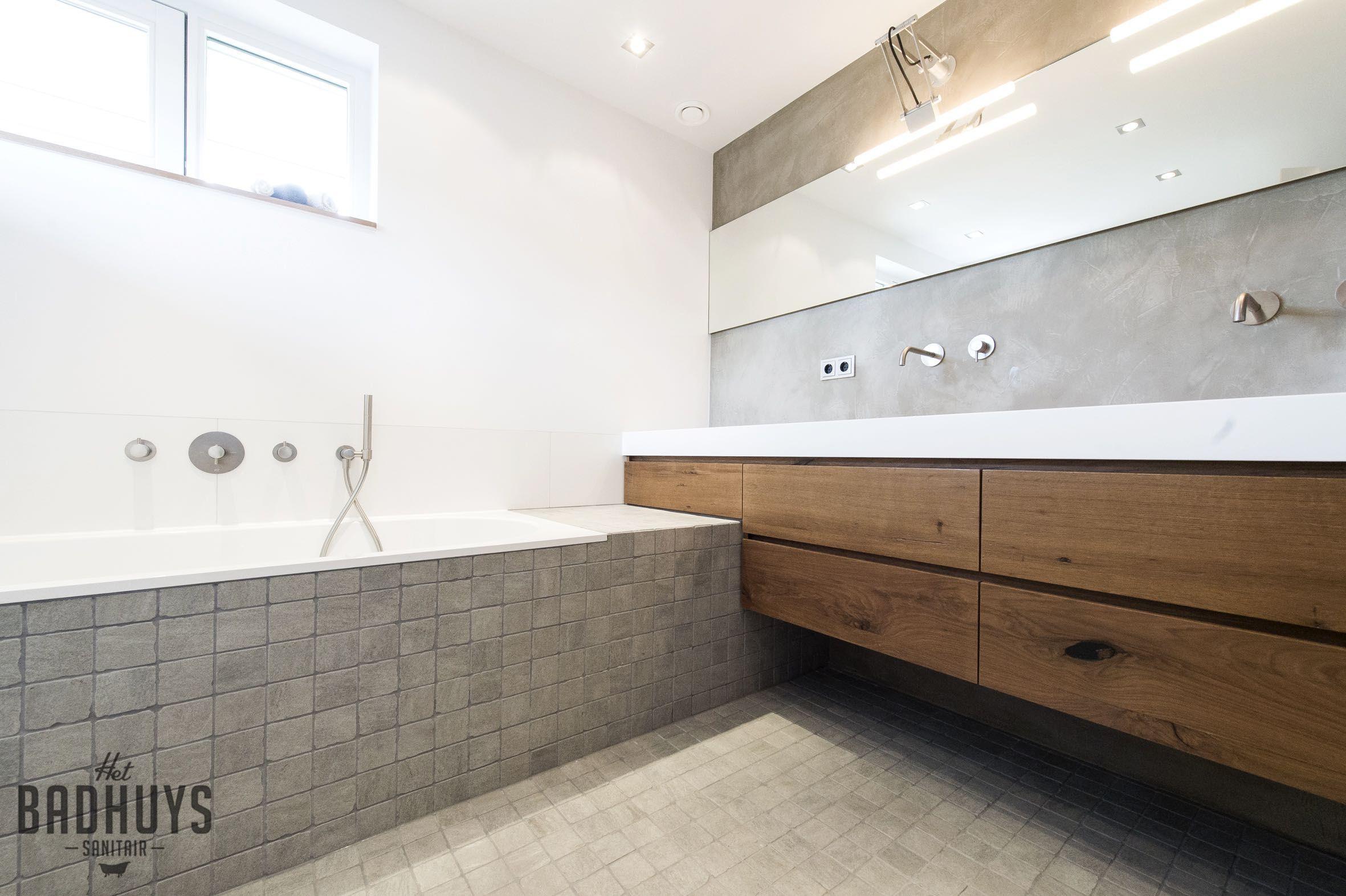 badkamer met micro cement en maatwerkmeubel het badhuys het