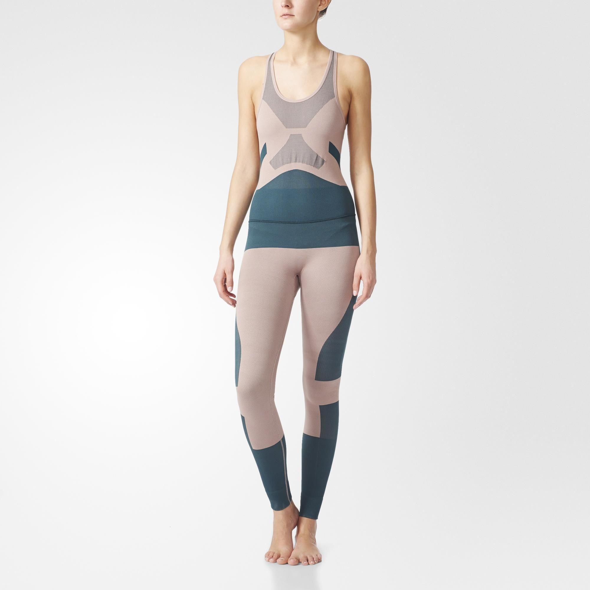 9c07e769b7058 Overal Yoga Seamless adidas by Stella McCartney Yoga je vyrobený z tkaniny  climalite® a bezšvovej kompresnej technológie, ktorá udrží vaše cvičenie v  suchu ...