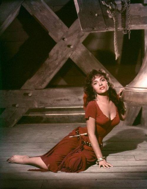 Gina Lollobrigida as Esmerelda in 'The Hunchback of Notre Dame, 1956.