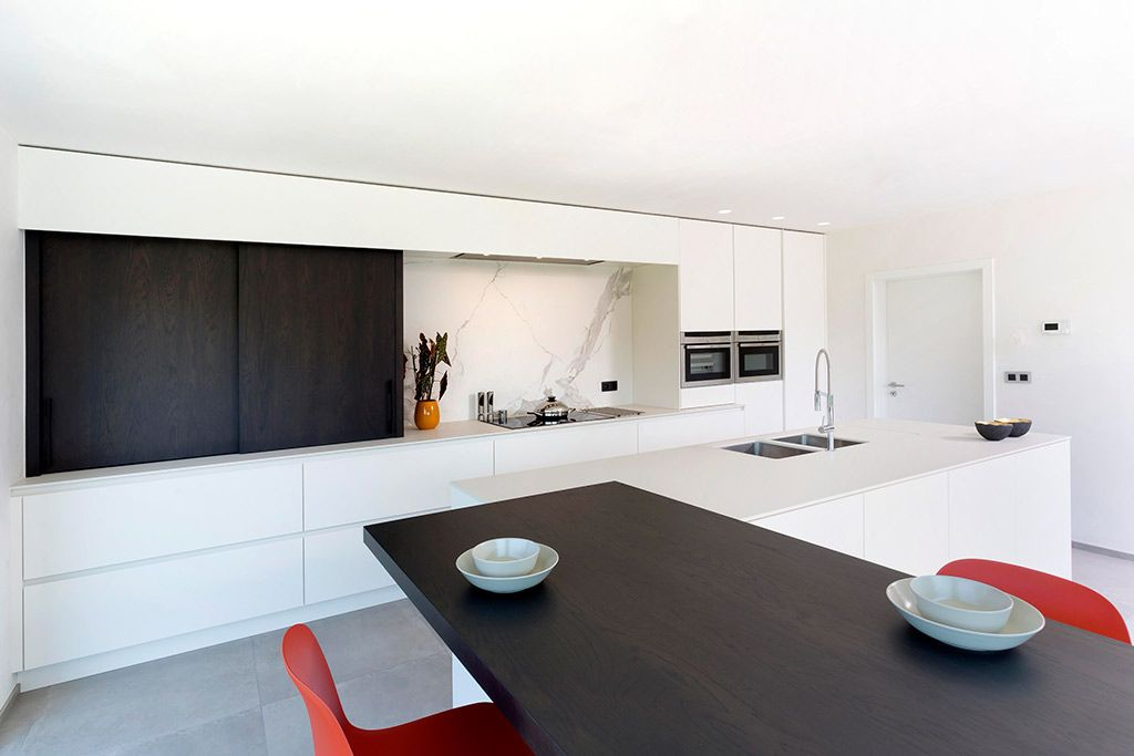 Moderne Keuken Wit Met Donker Hout Keuken Interieur Bungalow Keuken Interieur