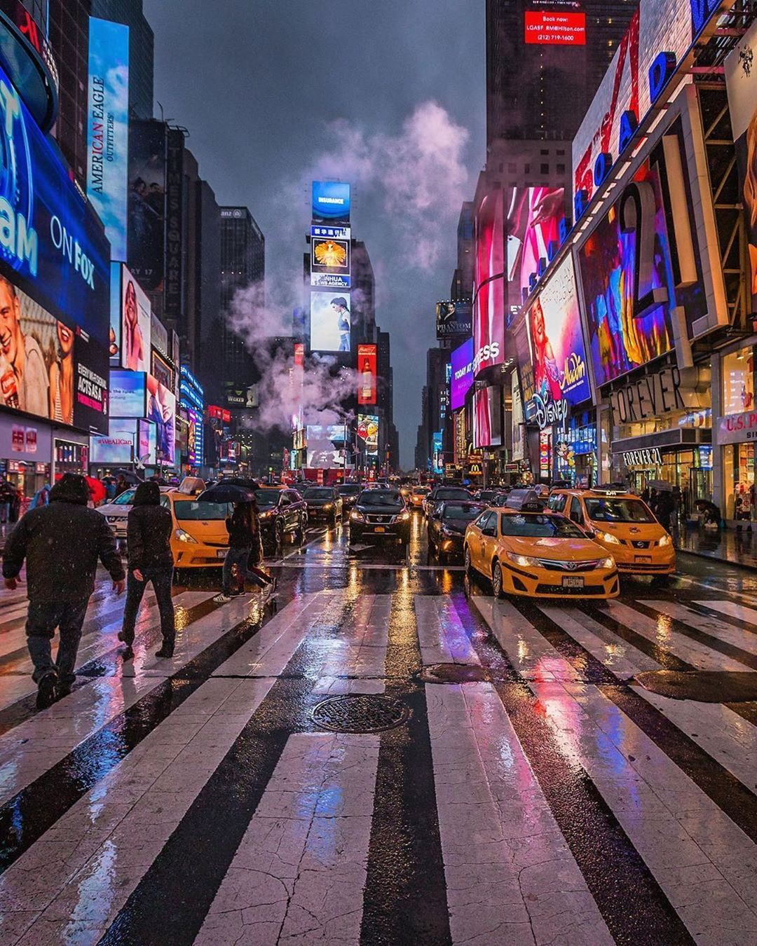 Rainy Night At Times Square By Ricardo Ricp2206 Picturesofnewyork City Aesthetic Times Square Photography New York Pictures