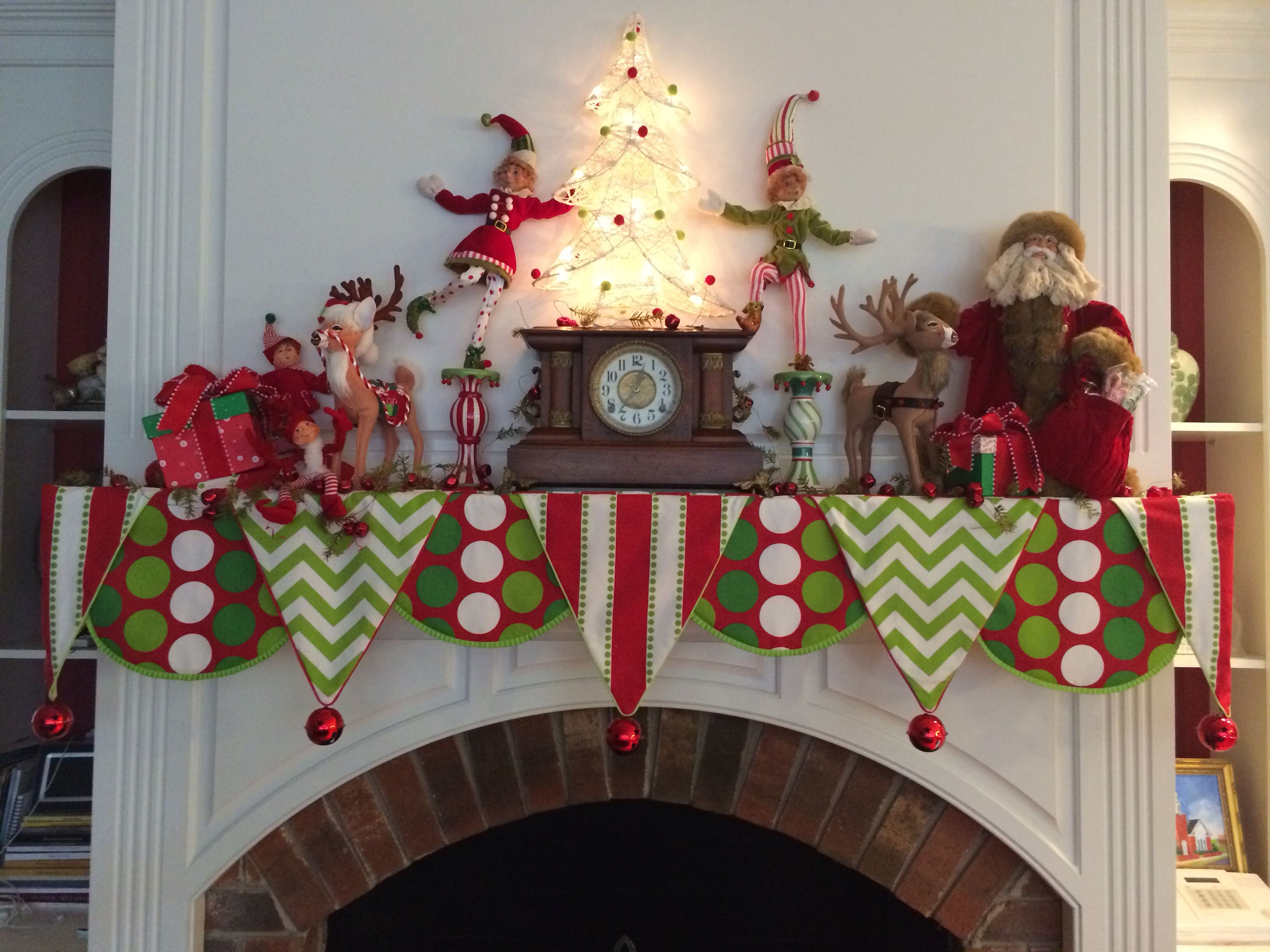 Christmas Mantle.Christmas Mantle Scarf By Sharpe Designs Holiday Christmas