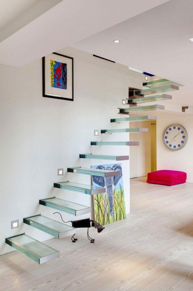 Escalier Suspendu Sans Rampe A Marches En Verre Et Spots
