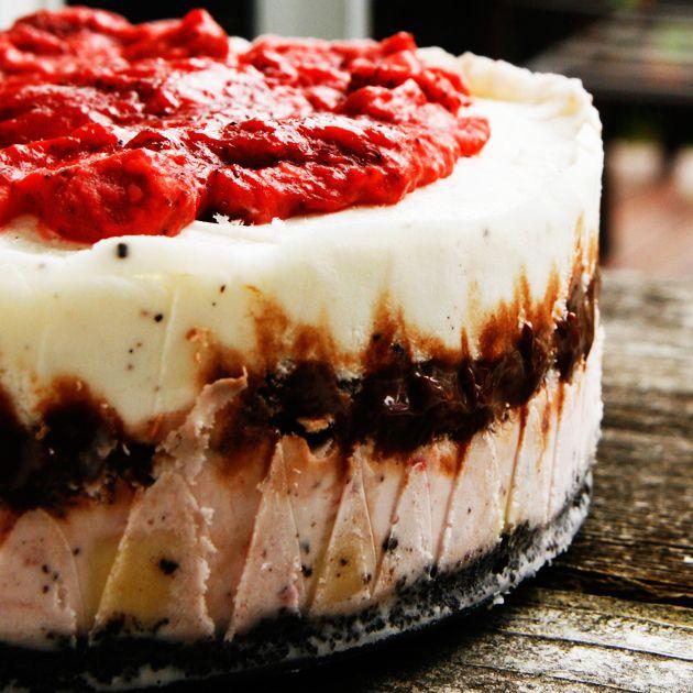 Banana Split Ice Cream Cake Recipe Tasty kitchen Cream cake and