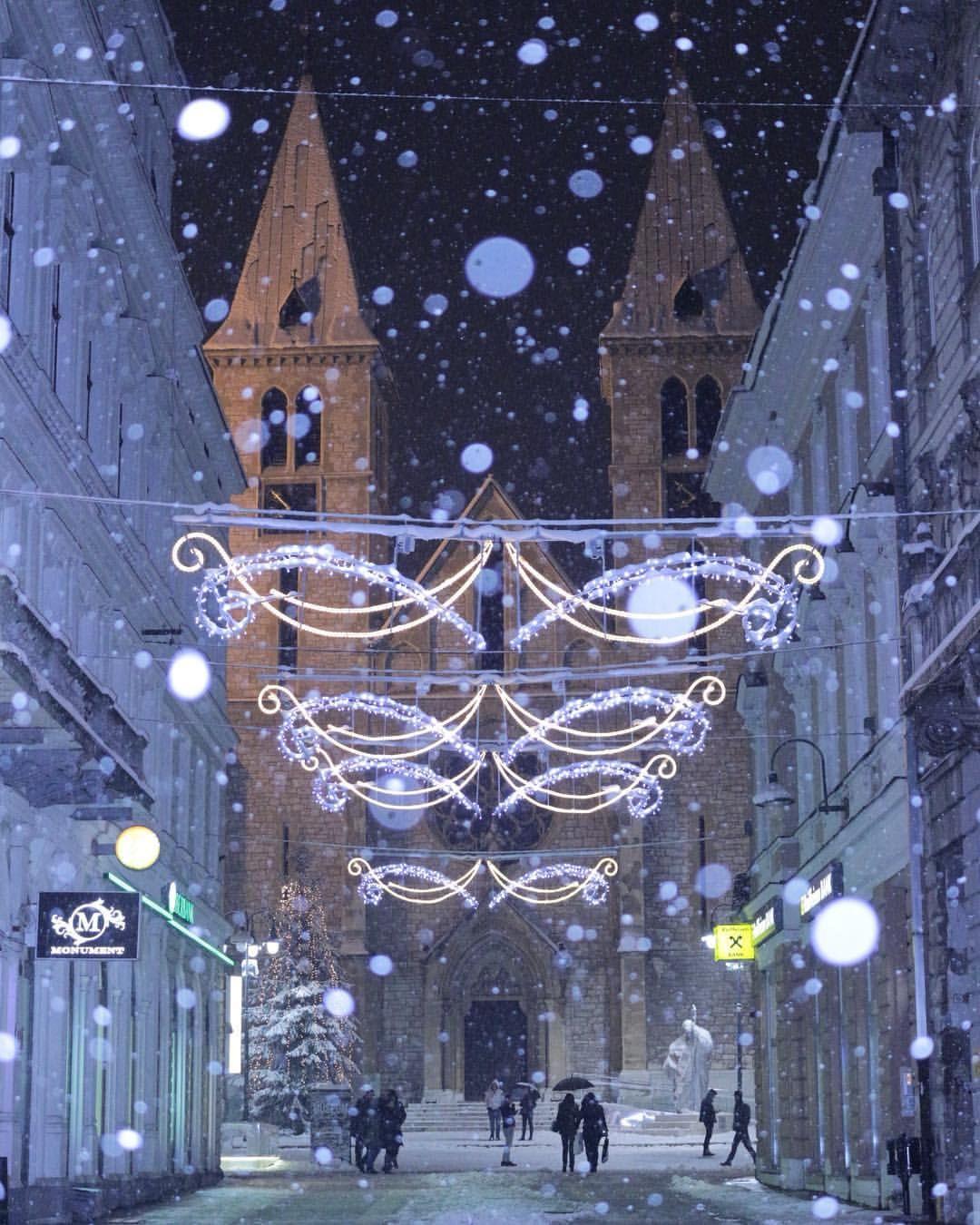 Christmas In Sarajevo.Napolju Je Idila Europe Winterwonderland