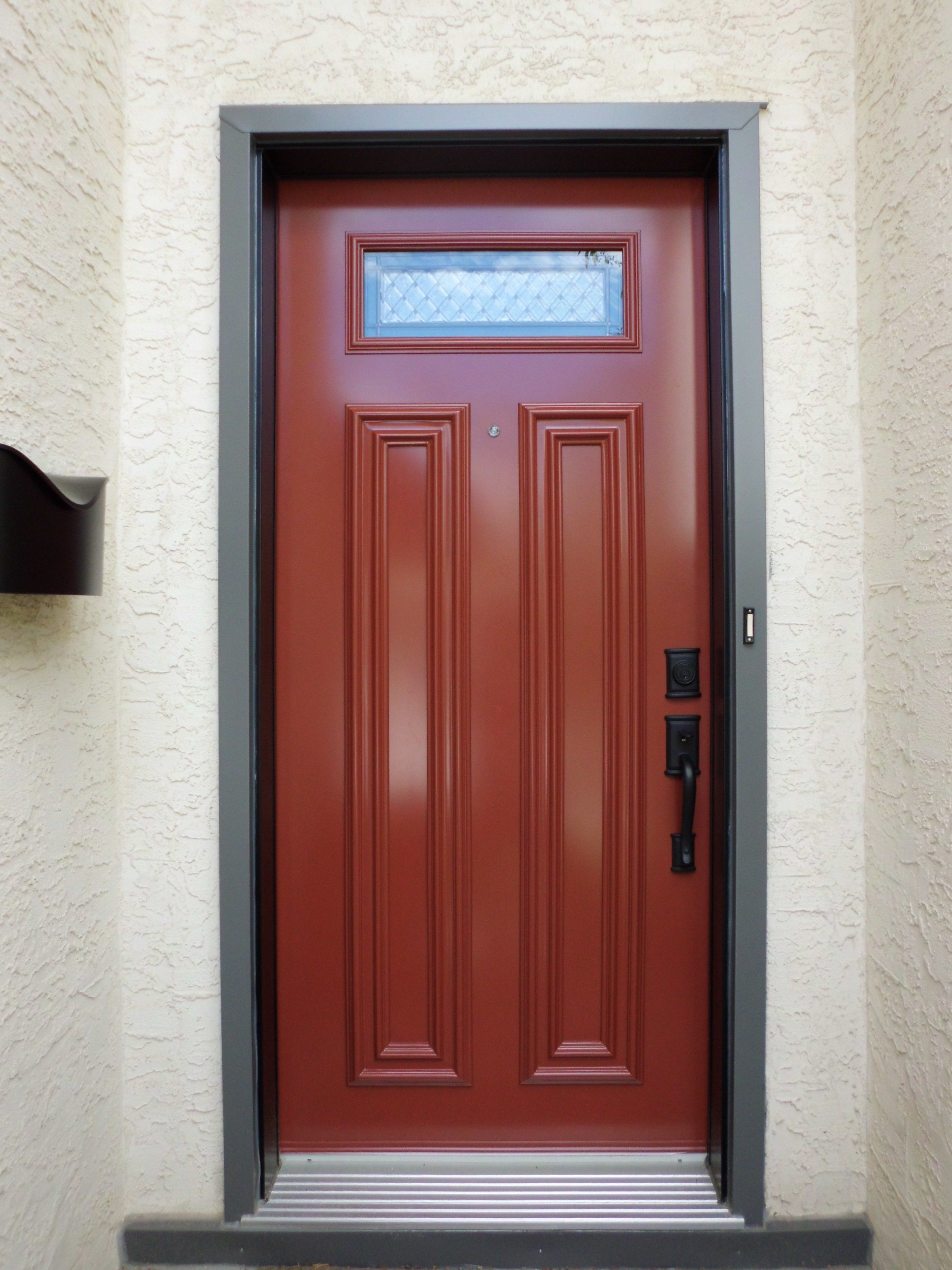 Belgrave glass insert by Verre Select Venetian Red coloured