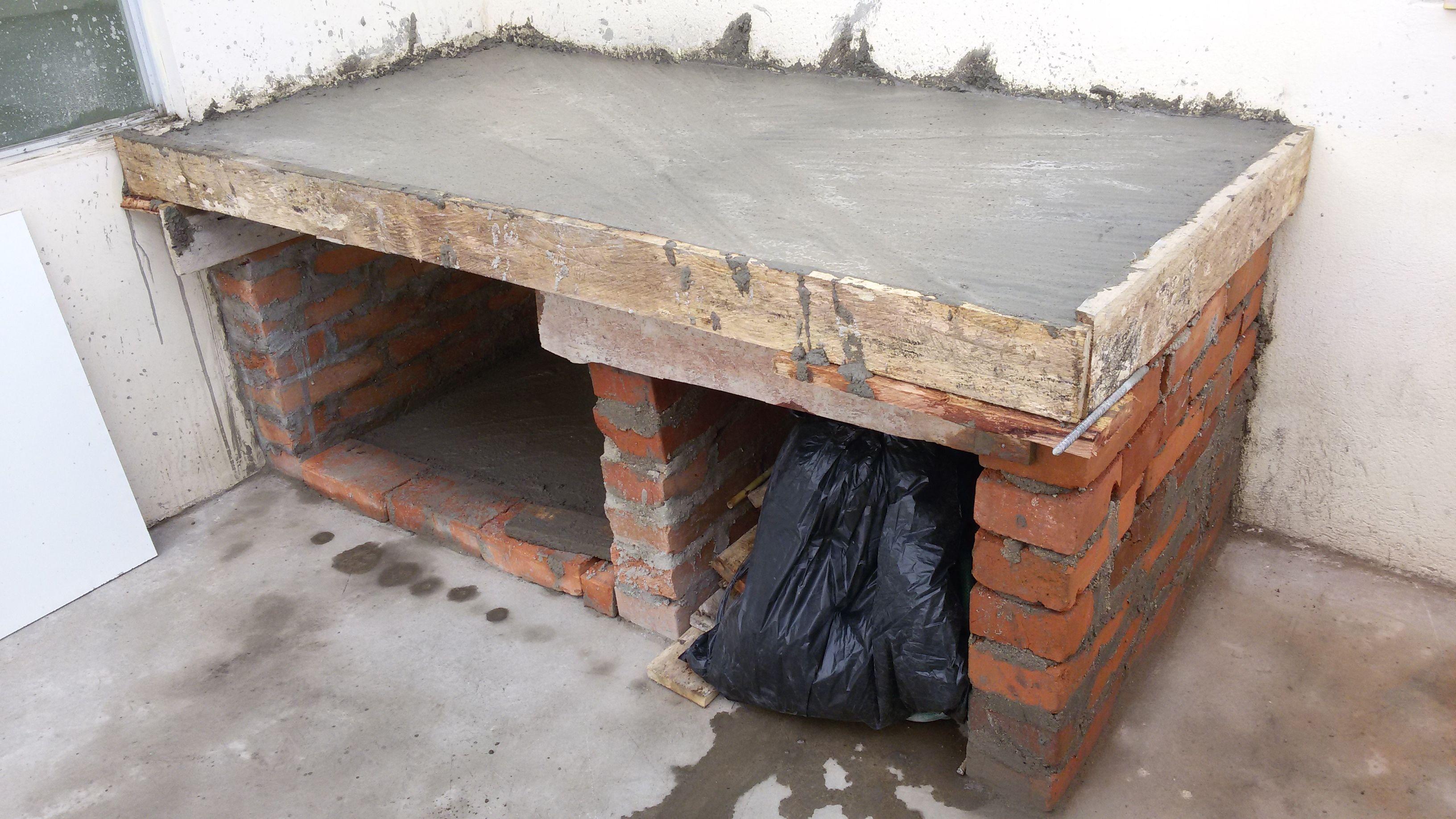 Base de Concreto lista para armar el horno de leña