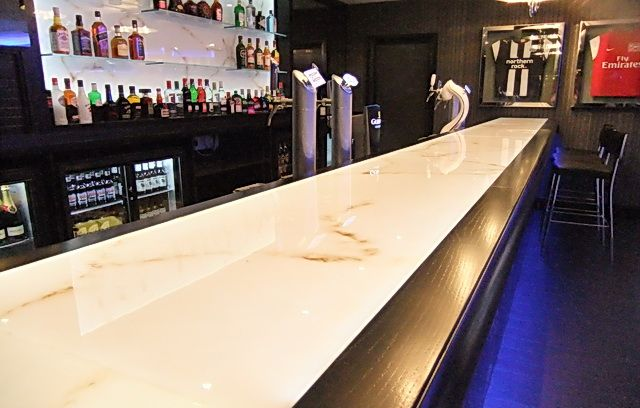 Ordinaire Backlit Onyx Bar Top