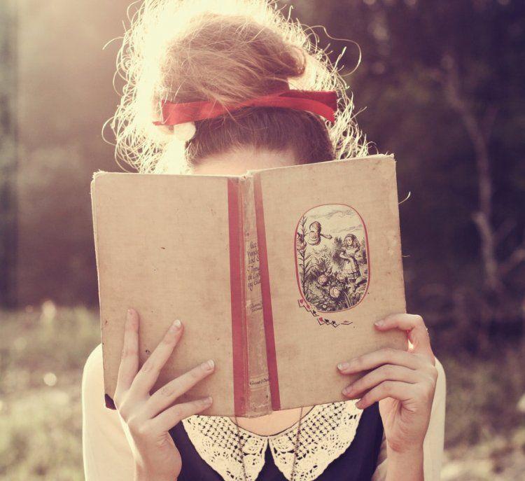 Kiz Profil Resimleri Kitap Kitap Okuyan Kizlar Resim