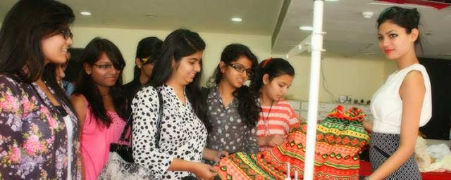 Pg Degree In Fashion Collage Indore Fashion Designing Colleges Fashion Designing Course Fashion Design