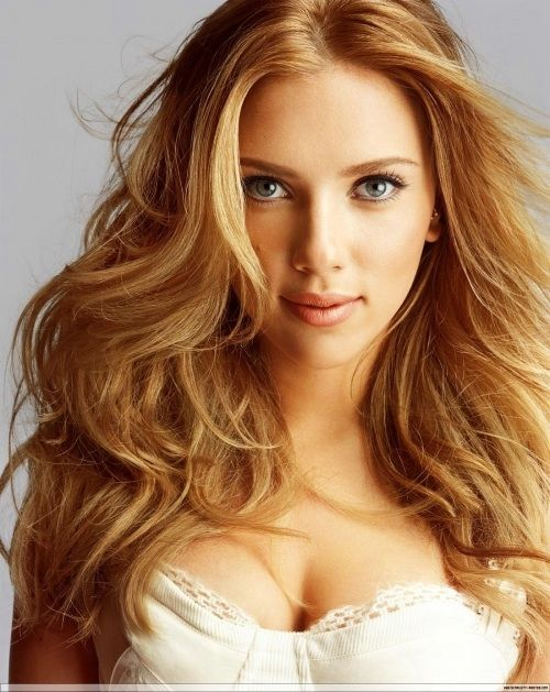 Scarlett Johansson Is Beautiful Dark Honey Blonde Hair Dark