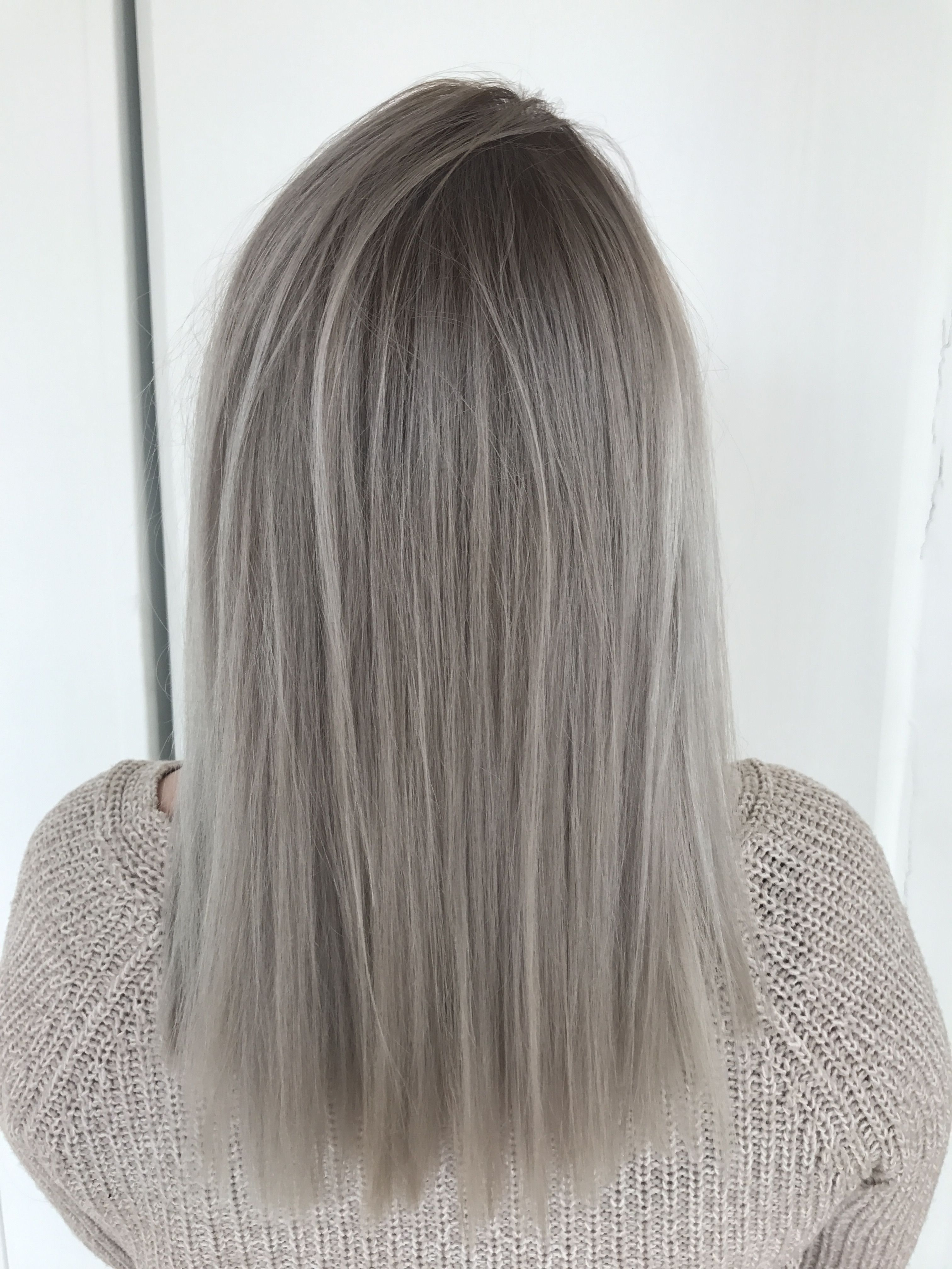 Grey Haircolor Blonde Darker Roots Grey Blonde Hair Blonde Roots Grey Hair Color