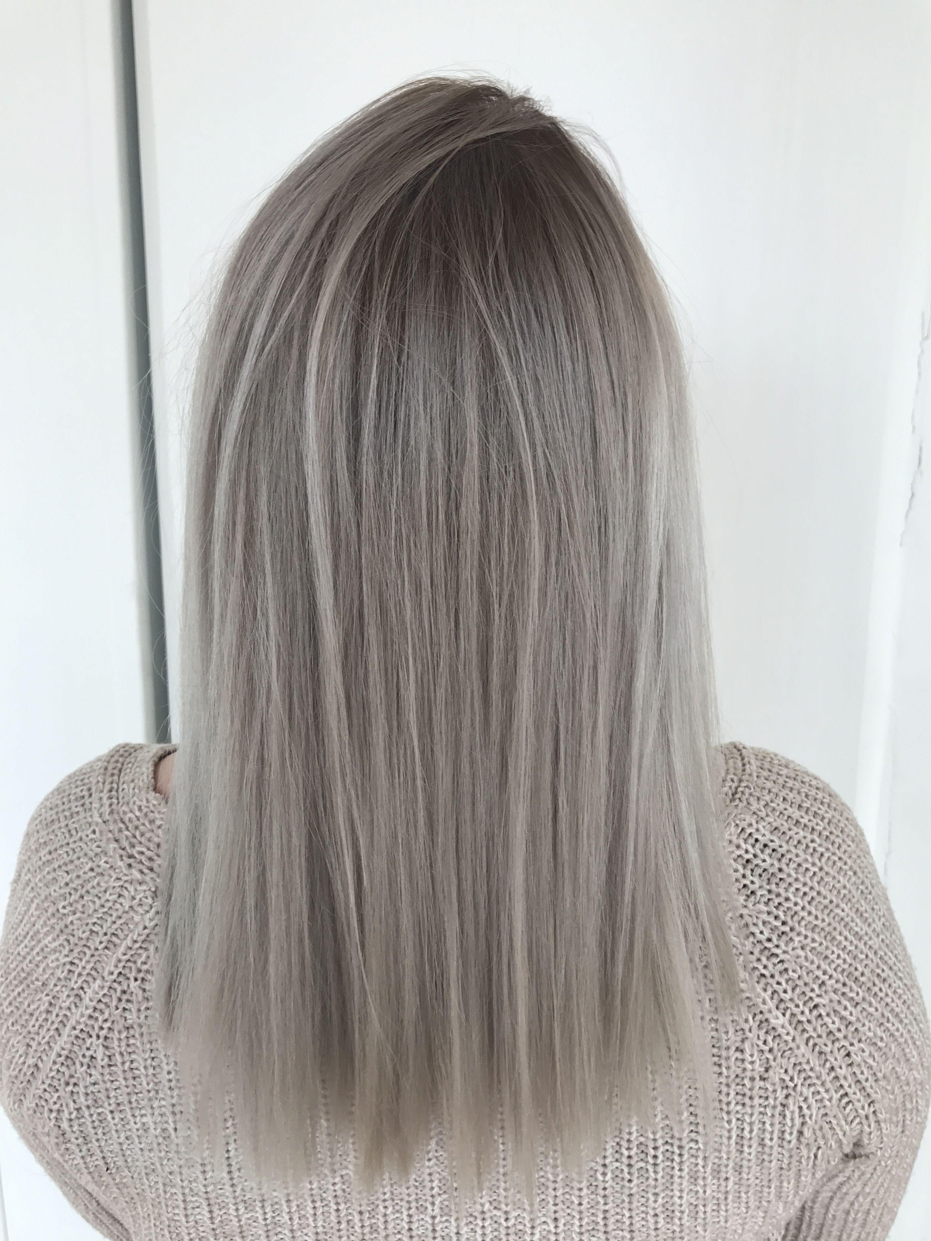 Grey Haircolor Blonde Darker Roots Grey Blonde Hair Blonde