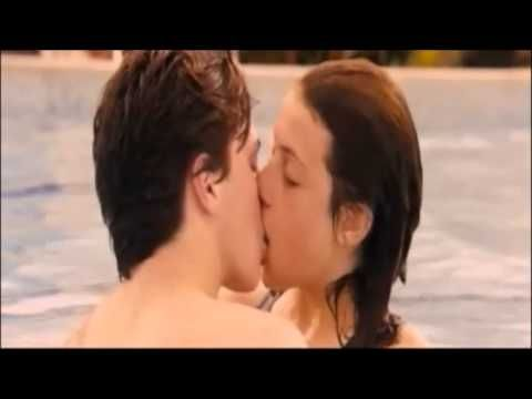Angus Thongs And Perfect Snogging 2008 Georgia And Robbie Kiss In The Pool Youtube Angus Thongs And Perfect Snogging Georgia Robbie