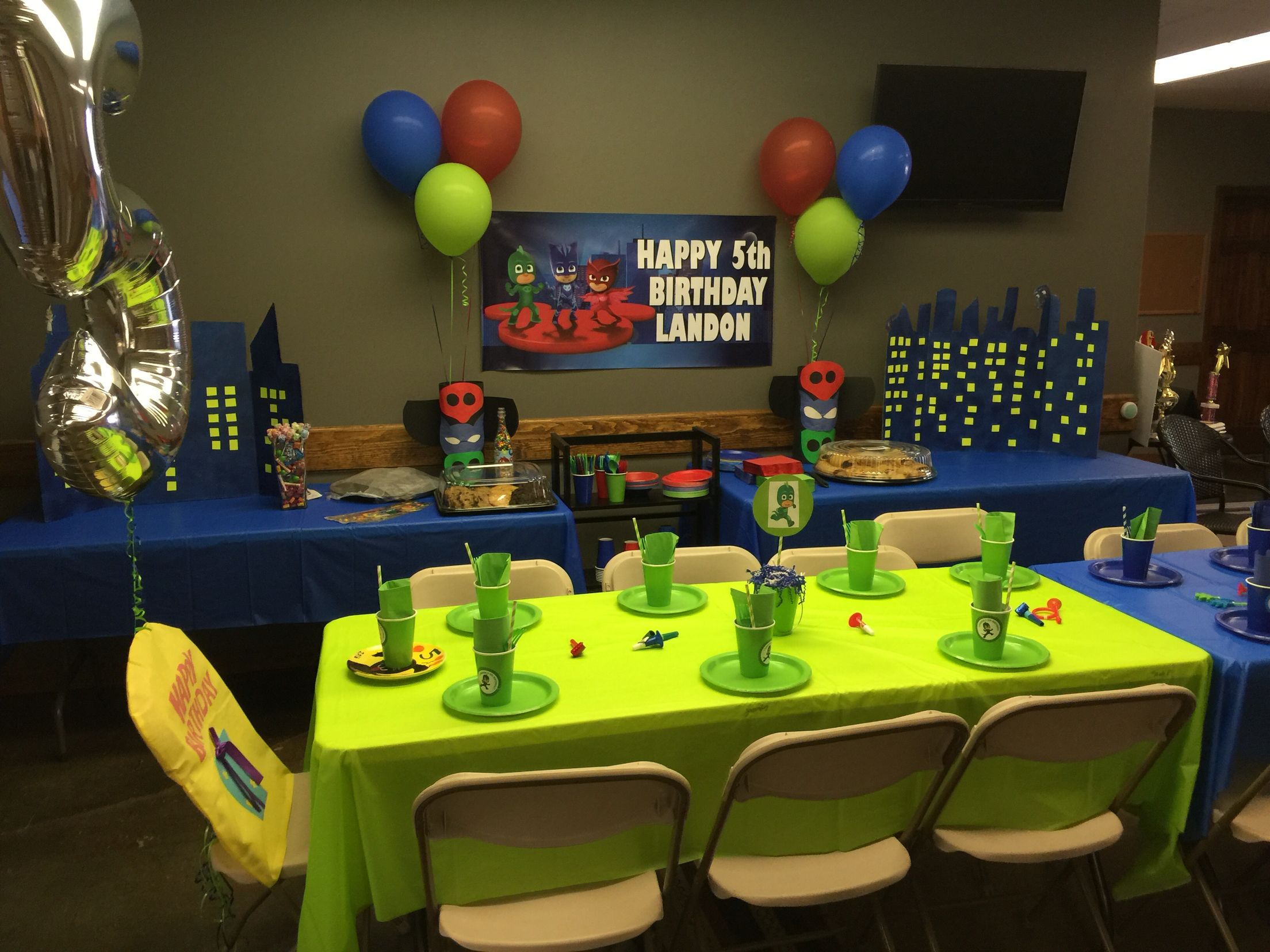 Pj masks homemade decor | Landon PJ masks party | Birthday ...