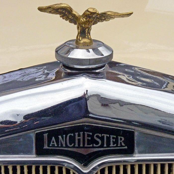 Lanchester car logo