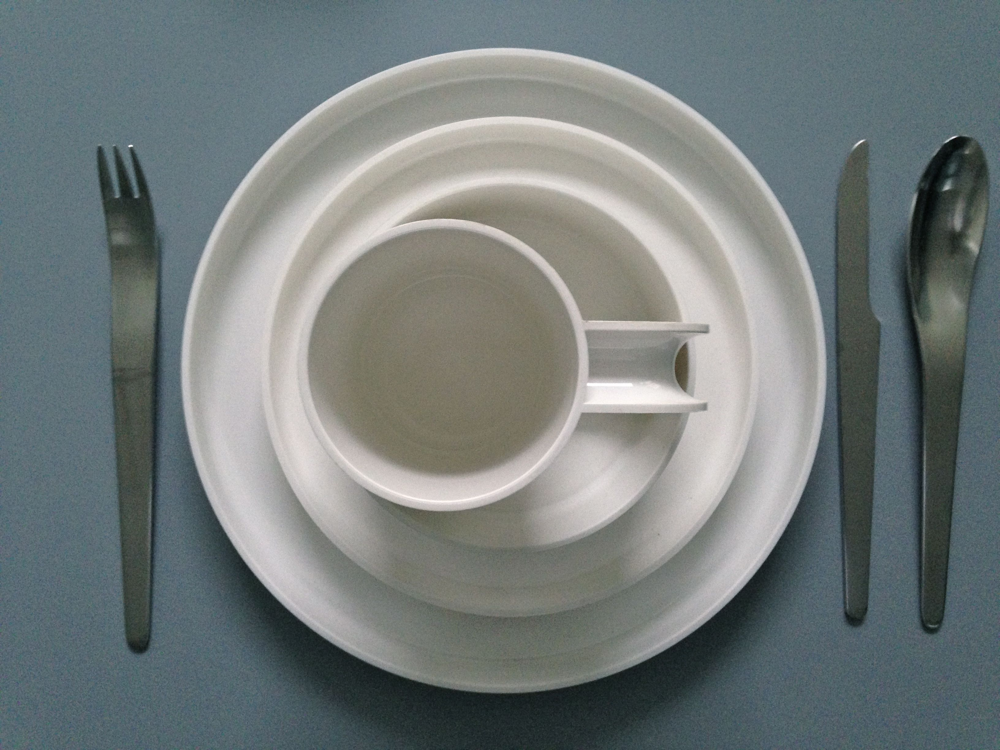 60s Melamine tableware by Massimo Vignelli cutlery by designer