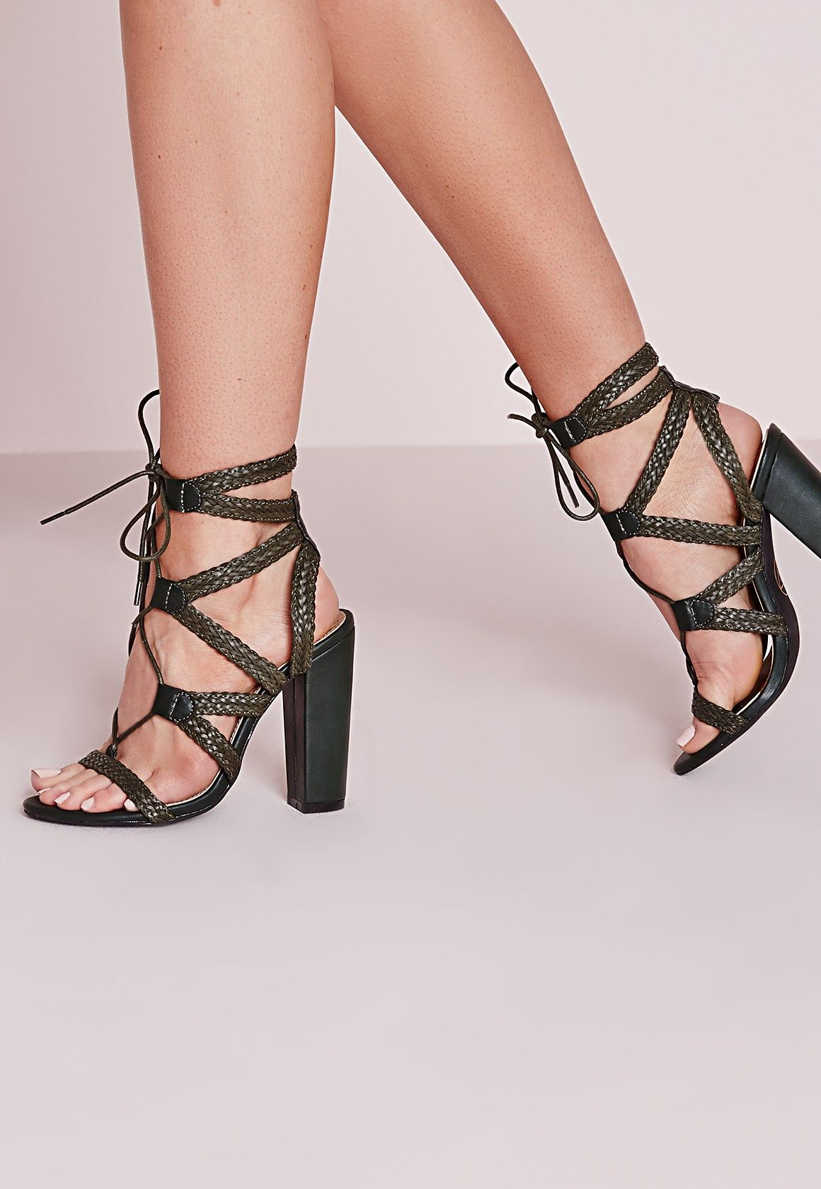 920be39ee11964 Missguided - Sandales vert kaki à talon carré et lacets | Pieces ...