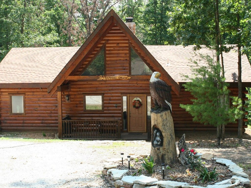 Log Home With Two Master Suites Great For Two Couples Branson Cedars Cabin Log Cabin Rentals Cabin Vacation