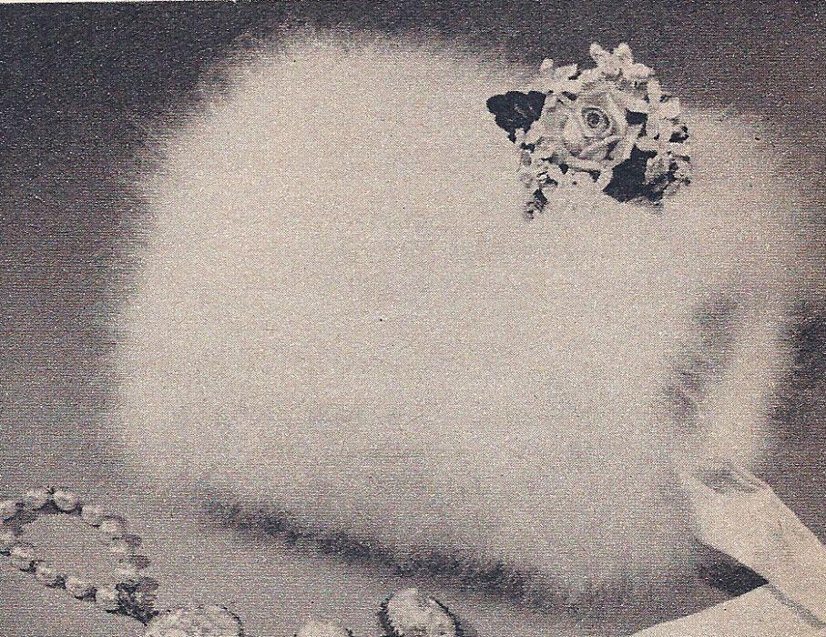 Vintage Knitting PATTERN to make Fuzzy Angora Muff Hand Warmer